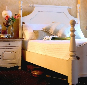 Wooden Beds: A Classic Choice to Create A Warm & Inviting Home